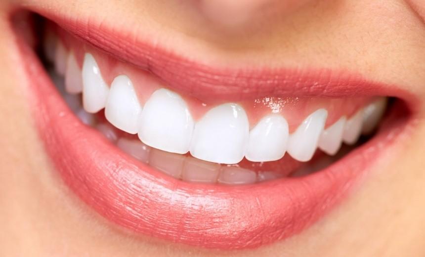 ulytrazvukovaja-chistka-zubov